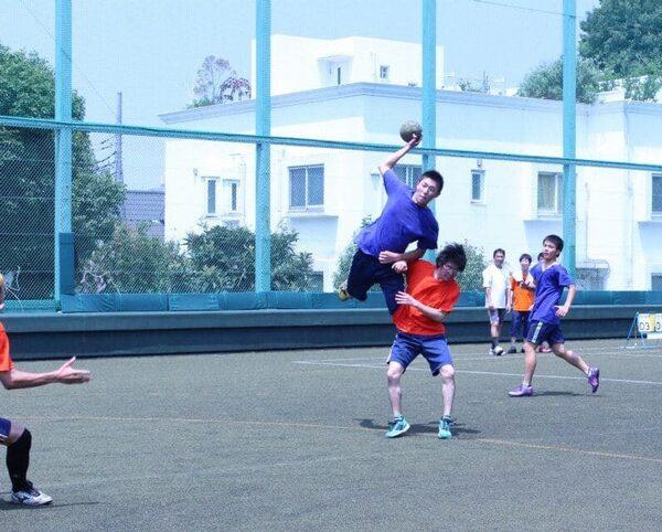 ハンドボールのジャンプ